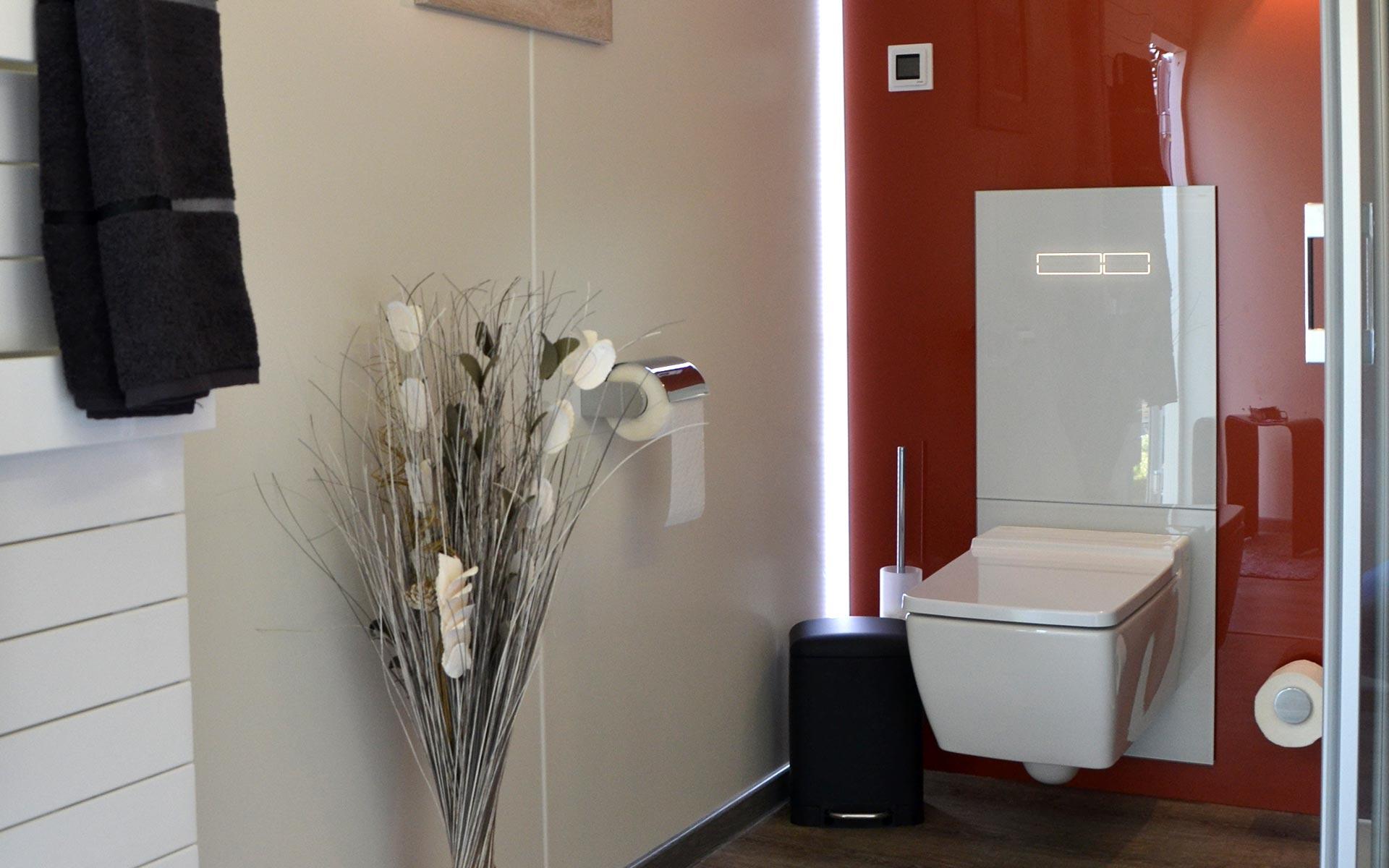 Mobibad Toilette, Deko und LED Stripe
